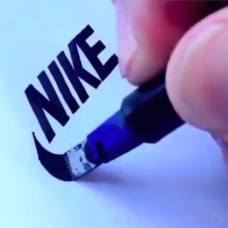 کشیدن لوگو با دست